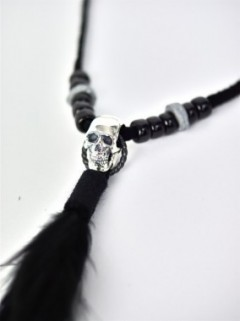 PATTI SKULL FEATHER NECKLACE