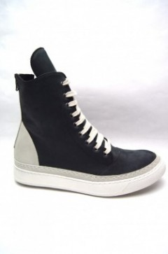 LACE-UP HI SNEAKER