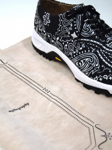 VINTEAGE BANDANA SNEAKERS
